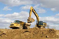 Using Simulation to Tackle Added Constraints on a Complex Earthmoving and Construction Project